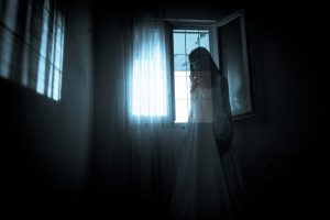 ghost-girl-window-ss_117156934